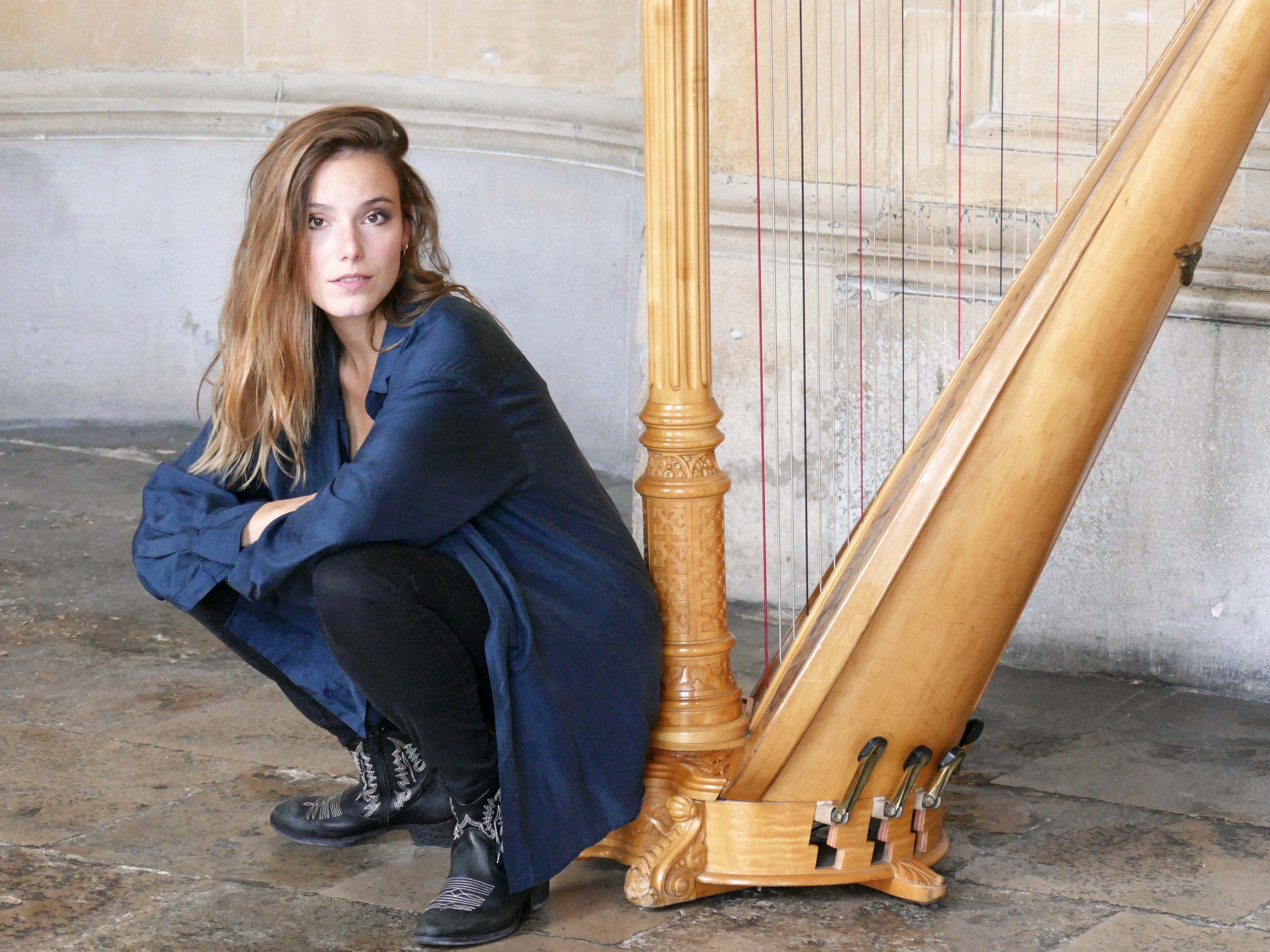 Laudine Dard harpiste at KCC London UK